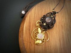 Hey, I found this really awesome Etsy listing at https://www.etsy.com/pt/listing/265525748/jewelry-gold-plated-with-macrame
