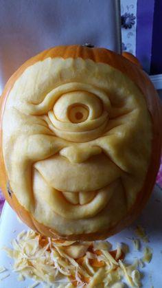 pumpkin carving by simondrawme Pumpkin Art, Pumpkin Faces, Pumpkin Crafts, Pumpkin Carving Tools, Amazing Pumpkin Carving, Pumpkin Sculpting, Painted Pumpkins, Carved Pumpkins, Pumpkin Contest
