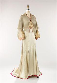 Tea gown Designer: Jessie Franklin Turner Date: 1940 Culture: American Medium: silk Accession Number: 2009.300.196a, b