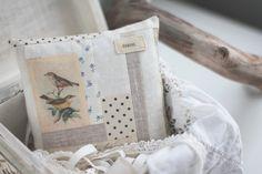 """birds"" sachet (with linden blossoms, wild rose blossoms, camomile, lavender, propolis)"