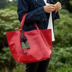Bolsa Esmeralda Vermelha - Dervish Bags Conheça: www.dervishbags.com.br