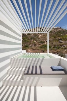 Petite piscine sur balcon