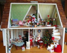 My Santa's Workshop. Created in an old Greenleaf house originally made by my father for my mother. Miniature Christmas, Christmas Minis, Retro Christmas, Doll House Plans, Dollhouse Kits, Miniature Rooms, Santas Workshop, Christmas Decorations, Holiday Decor