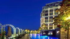 Болгария - продаются апартаменты в элитном комплексе на первой линии моря Апартамент с отличной отделкой, без мебели, на 5 этаже, площадью 79,5 м2, с одной спальной и ванной комнатами, большой гостиной, просторной террасой, продается по акционной цене 63000 евро. #инвестициивболгарию, #недвижимостьвболгарии, #квартиравБолгарии, #Варна, #СолнечныйБерег, #Bulgaria, #Ривьера, #квартиранаморе, #недвижимостьзарубежом, #зарубежнаянедвижимость