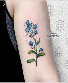 Forget Me Not Tattoo Meaning And Most Beautiful Ideas For Inspiration Hello! Here we have nice photo about soft tattoo designs forget me not. Side Tattoos, Body Art Tattoos, Small Tattoos, Tattoos For Guys, Tattoos For Women, Cool Tattoos, Flower Tattoo Meanings, Flower Tattoo Designs, Flower Tattoos