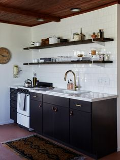 13 Favorite Cost-Conscious Kitchen Remodels from the Remodelista Archives Kitchen Cabinets Home Depot, Metal Kitchen Cabinets, Kitchen Cabinet Design, Kitchen Cupboard, Budget Kitchen Remodel, Kitchen On A Budget, Ibiza, Rustic Kitchen Design, Black Kitchens