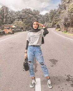 Hijab Casual, Modest Fashion Hijab, Modern Hijab Fashion, Street Hijab Fashion, Hijab Fashion Inspiration, Muslim Fashion, Casual Outfits, Fashion Outfits, Ootd Hijab