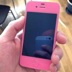 Tyttären uusivanha iphone. Pinkkiä on. Vaihdatin näytön ja muutkin kuoret + kotinäppäin + akku.