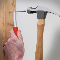 ThumbSaver Holds Your Nails While You Hammer