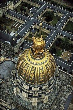 Dome des Invalides, under which Napoleon lies entomed, Paris, France Paris 3, I Love Paris, Paris Travel, France Travel, Tour Eiffel, Versailles, Magic Places, Beautiful Paris, Belle Villa