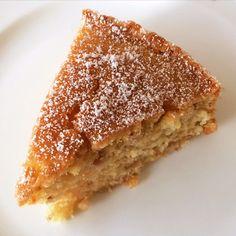 Polentakuchen (vegan) Polenta kennen wir hierzulande eher als herzhafte Variante. Man kann damit aber auch einen wunderbaren Kuchen zaubern. Ausprobieren lohnt sich!