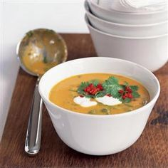 Spicy spinach dhal soup with yogurt