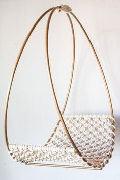 Basic Macrame Knots : Step by Step Guide Macrame Art, Macrame Design, Macrame Projects, Macrame Knots, Home Crafts, Diy And Crafts, Macrame Chairs, Macrame Tutorial, Swinging Chair
