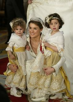 Princess Letizia & her nieces on her wedding day