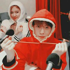 his couple's always doing stupid thinks - Johnny roses_are_rosie updat Taeyong, Winwin, Preety Girls, Kpop Couples, Couple Aesthetic, Blackpink And Bts, Blackpink Fashion, Korean Couple, Jung Jaehyun