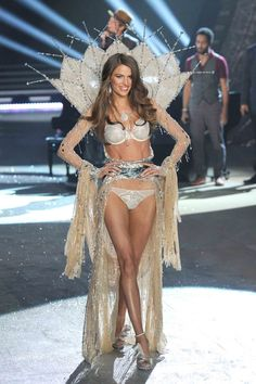 Cameron Russell - Looks Aren't Everything. This is amazing and more women/girls need to understand these facts!