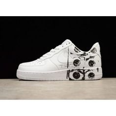 the best attitude 3005b d349f Supreme x des GAR ONS x Nike Air Force 1 Men s Black White 923044-