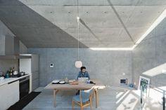 Open-plan concrete home in Tokyo
