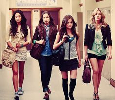 pretty little liars-Emily,Spencer,Aria,& Hanna