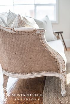 Stupendous Cool Tips: Velvet Upholstery Diy how to apply upholstery tacks.Upholstery Foam Ideas upholstery tools how to remove. Living Room Upholstery, Upholstery Trim, Upholstery Cleaner, Upholstery Cushions, Reupholster Furniture, Furniture Upholstery, Furniture Projects, Furniture Makeover, Tufted Sofa