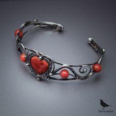 Heart Jewelry, Stone Jewelry, Metal Jewelry, Beaded Jewelry, Jewelry Crafts, Jewelry Art, Jewelry Bracelets, Jewelery, Wire Jewelry Patterns