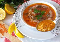 Kışın gelmesiyle sıcak sıcak şifa deposu çorbalara daha fazla ihtiyacımız oluyor. Bugün mercimeği, bulguru, pirinci, çeşit çeşit baharatıyla şifa kaynağı olan ezogelin çorbası tarifi ile sizinleyiz. Şimdiden söyleyelim; bu çorbayı bir kere içen hergün mutlaka istiyor. Chana Masala, Vegetarian Recipes, Easy Meals, Food And Drink, Soup, Ethnic Recipes, Chef Recipes, Cooking, Bulgur