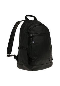 Dieses Modell  besticht durch sein tiefes Schwarz in matter Optik und den vielen praktischen Taschen. Der Rucksack verfügt über einen standhaften Boden und ein geräumiges Hauptfach und bietet Dir großzügigen Stauraum.