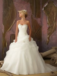 A-line/Princess Sweetheart Sleeveless Beading Sweep/Brush Train Organza Wedding Dresses
