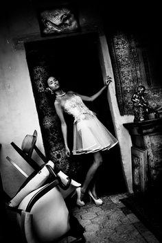Mannequin Jade Quéré Stylisme Sabrina Perrou Hair-Make Up Julie Duez  Photographie Pascal Calmettes, assisté de Audrey Saint Marc  À télécharger ici : http://lechronotographe.files.wordpress.com/2012/10/edito.pdf