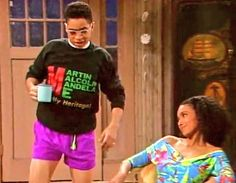 Hillman student Ron Johnson showing his support of black colleges Martin Luther King Jr., Malcolm X, and Nelson Mandela. College Aesthetic, 90s Aesthetic, Aesthetic Vintage, Black 90s Fashion, Retro Fashion, A Different World, Black Girl Aesthetic, Nelson Mandela, Free Black