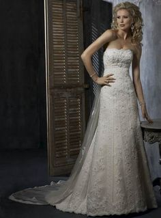 Perfect Strapless Empire Wasit Applique Beading Lace Satin Chapel Train Wedding Apparel