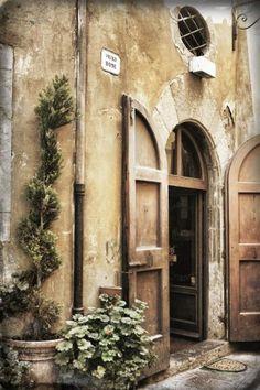 Tuscan door, Cortona, Italy