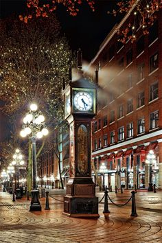 The historical steam clock in Gastown, Vancouver, British Columbia O Canada, Canada Travel, Canada Trip, Vancouver Photography, Amazing Photography, Places To Travel, Places To Visit, Alaska, Vancouver British Columbia