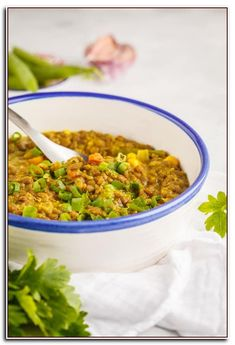 Instant Pot Lentil and Cauliflower Curry - The Picky Eater Chicken Parmesan Recipes, Chicken Soup Recipes, Healthy Soup Recipes, Clean Eating Recipes, Veggie Recipes, Vegetarian Recipes, Healthy Chicken, Multi Cooker Recipes, Pressure Cooker Recipes