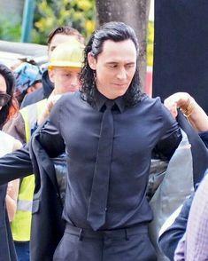 "Tom Hiddleston as Loki filming Thor: Ragnarok in Brisbane, Australia.all I can say is, ""God. Loki Meme, Loki Thor, Loki Laufeyson, Tom Hiddleston Loki, Thomas William Hiddleston, Marvel 3, Marvel Actors, Marvel Universe, Sweet Pictures"