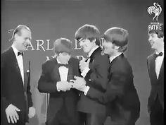 The Beatles in 1964 for She Loves You - Foto Beatles, Beatles Meme, Beatles Band, Les Beatles, The Beatles Live, Beatles Videos, Beatles Photos, John Lennon, She Loves You