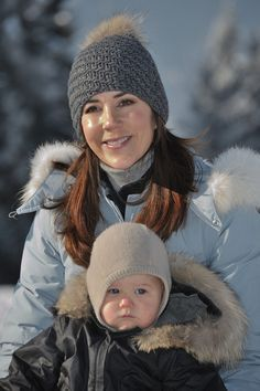 I did cast on this lovely hat today. Crown Princess Mary has one of those. I will be Princess for one . Princess For One Day, Princess Josephine Of Denmark, Queen Margrethe Ii, Danish Royalty, Bonnet Hat, Ski Holidays, Danish Royal Family, Crown Princess Mary, Mother And Child