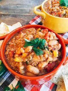 Vegan white bean quinoa chili