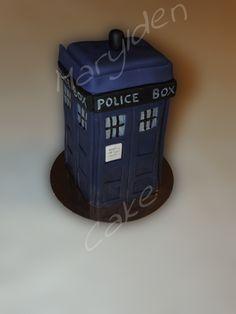 Marylden Cake - Cake design Gâteau en pâte à sucre pour le tardis de Doctor Who