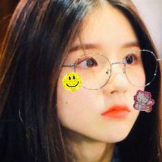 Kpop Girl Groups, Korean Girl Groups, Kpop Girls, My Girl, Cool Girl, Olivia Hye, Cute Icons, Ulzzang Girl, Aesthetic Girl