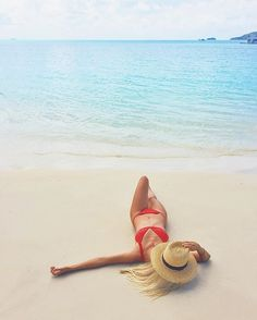 Paradise on Whitehaven Beach, with @gypsea_lust @whitsundaysqld @queensland #thisisqueensland #seeaustralia