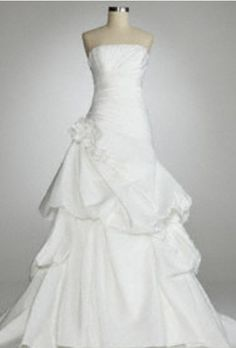 want this wedding dress!