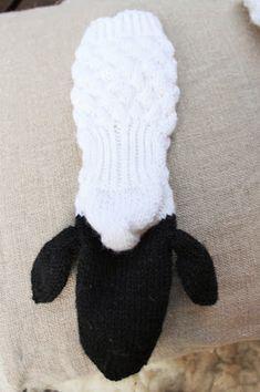 late lammas villasukat Slippers, Fashion, Long Scarf, Socks, Moda, Fashion Styles, Slipper, Fashion Illustrations, Flip Flops