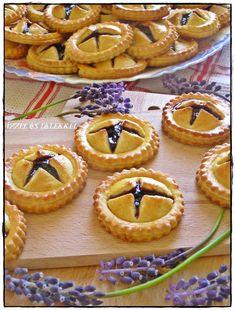 Ravioli, Mini Cupcakes, Pie, Food, Torte, Cake, Fruit Cakes, Essen, Pies