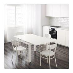 Inkl. 2 tillægsplader. Spisebord med 2 udtræksplader gør det muligt at tilpasse bordet størrelse efter behov. Til 4 personer. Tillægspladerne giver ekstra praktisk arbejdsplads og opbevares under bordpladen, så de er lige ved hånden. Bordpladen er lakeret med klar lak og er nem at gøre ren.