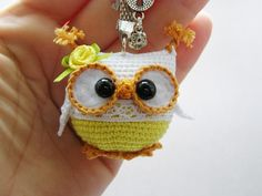 Owl for your keys Crochet Owls, Crochet Amigurumi, Cute Crochet, Amigurumi Patterns, Crochet Animals, Crochet Crafts, Crochet Baby, Crochet Projects, Knit Crochet