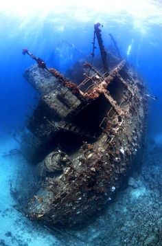 30 incredible and tragically beautiful images of the world's most haunting shipwrecks - Blog of Francesco Mugnai