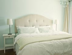 i am  REALLY going to do this... DIY upholstered head board with full instructions and supply list