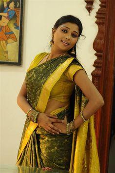 Indian Beauty Saree, Indian Sarees, Regina Cassandra, South Indian Film, Indian Heritage, Indian Girls, Indian Actresses, Girl Crushes, Desi