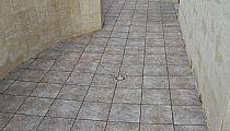 Terraza descubierta. (55m2) Orientada a Calle caballero de Rodas